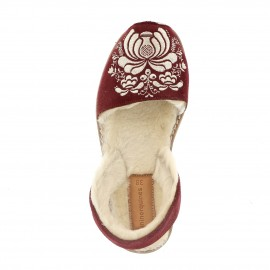 Avarca Embroidery Tcheky Bordeaux